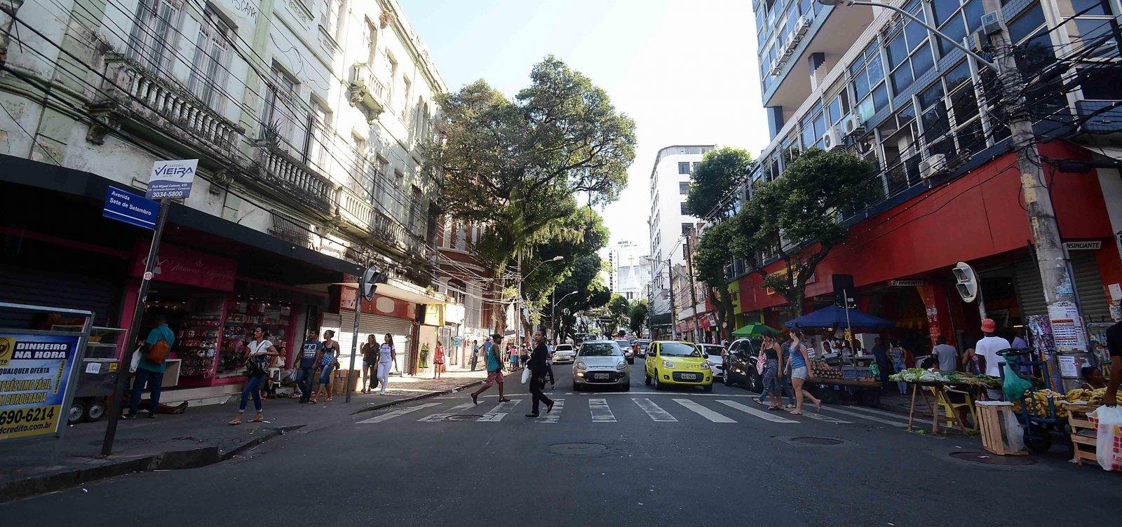 [Bahia tem maiores quedas no número de estabelecimentos comerciais e empregados no setor]