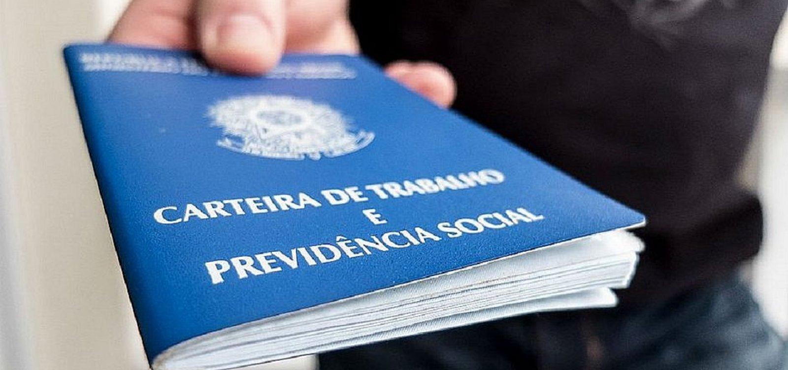 [Em um mês, Brasil registrou 1,4 milhão de pessoas a mais na fila do desemprego, afirma IBGE]