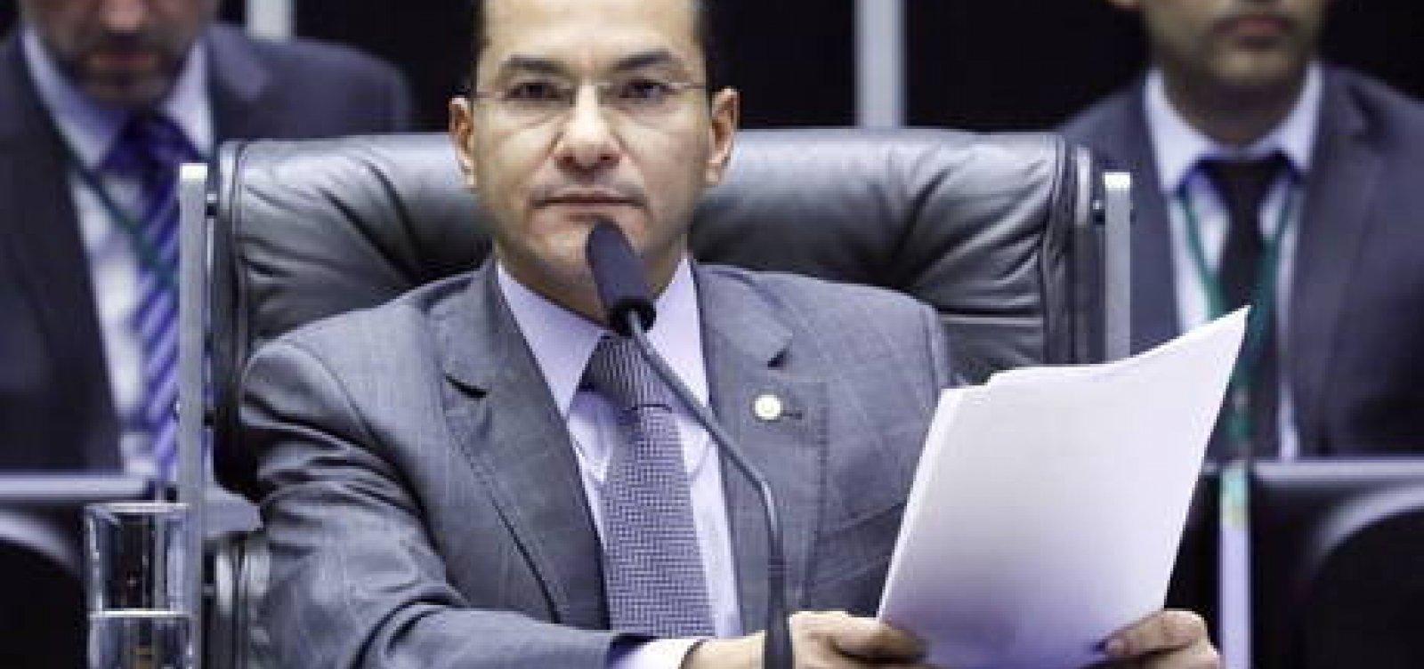 [Após contrapartidas, líderes do Centrão admitem adiar eleição]