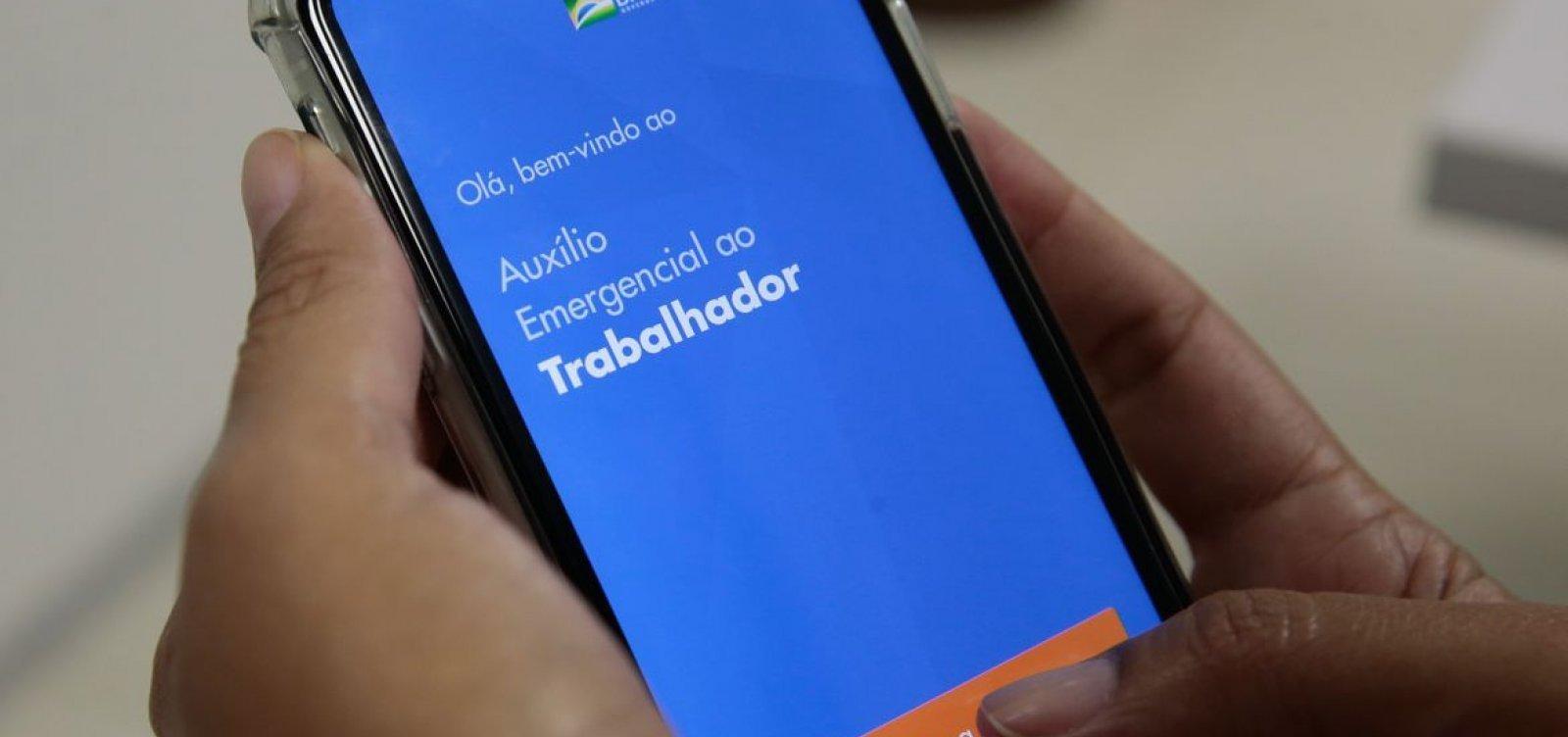 [Auxílio emergencial: Bolsonaro deve anunciar nesta terça mais duas parcelas de R$ 600]