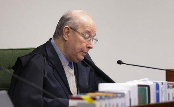 [Celso de Mello prorroga inquéritoque apura interferências de Bolsonaro na PF]