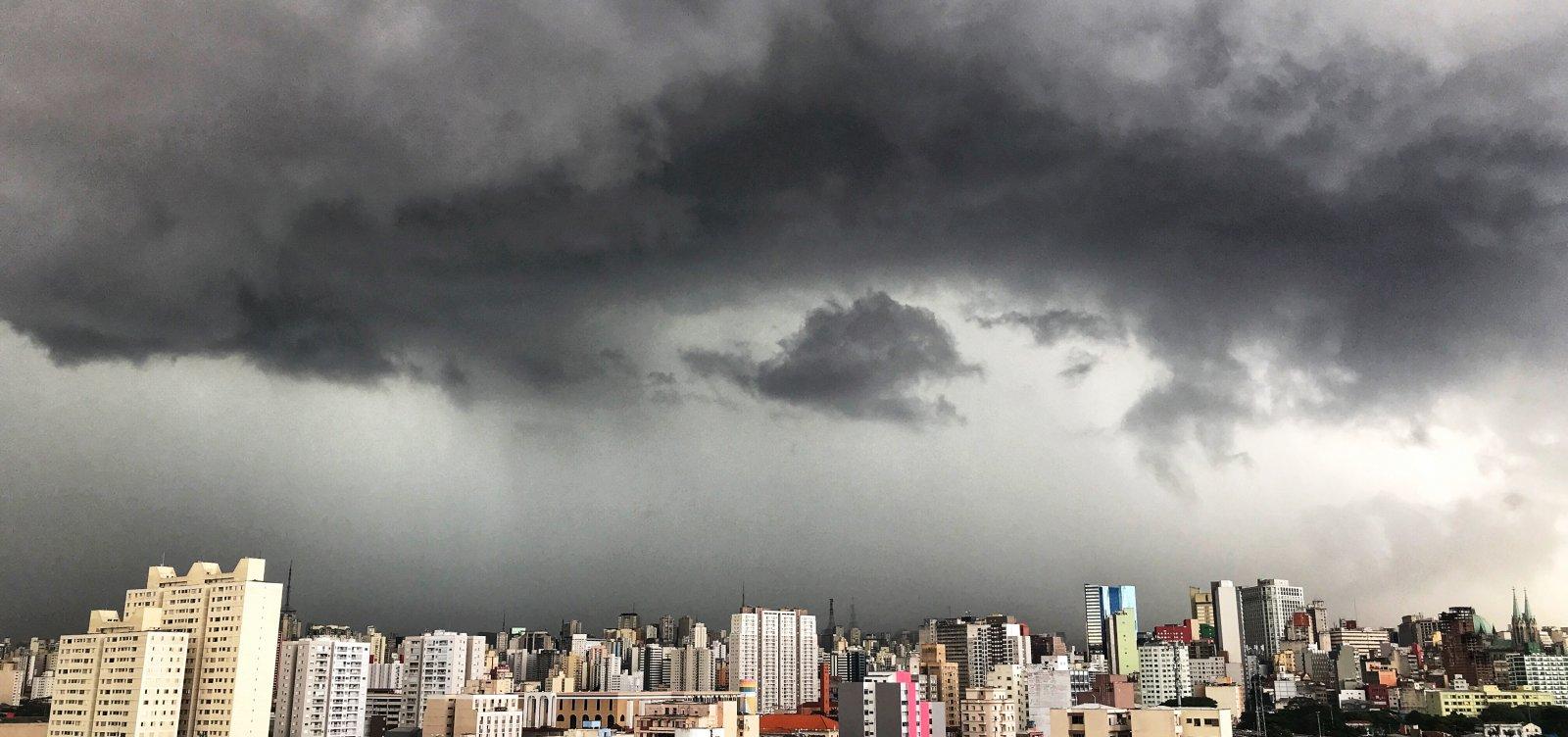 [Chuvas no Nordeste devem oscilar entre o normal e acima da média nos próximos meses]
