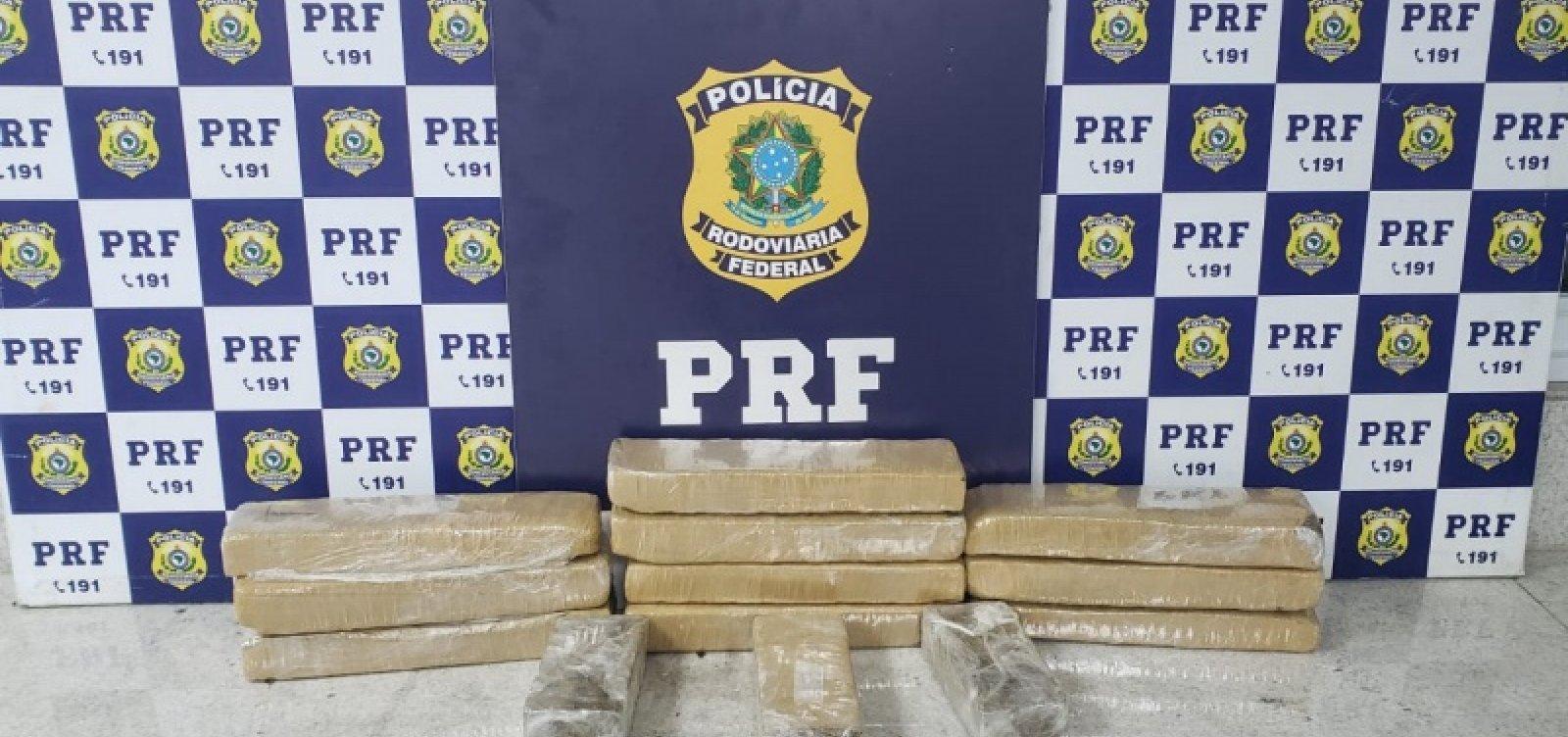 [Após suspeito fugir e capotar carro, PRF encontra maconha avaliada em R$ 10 mil]