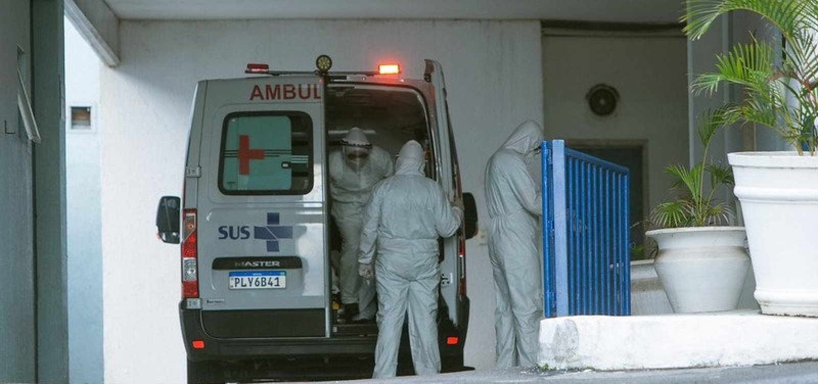 [Brasil tem 62.304 mortes por Covid-19, diz consórcio de imprensa ]