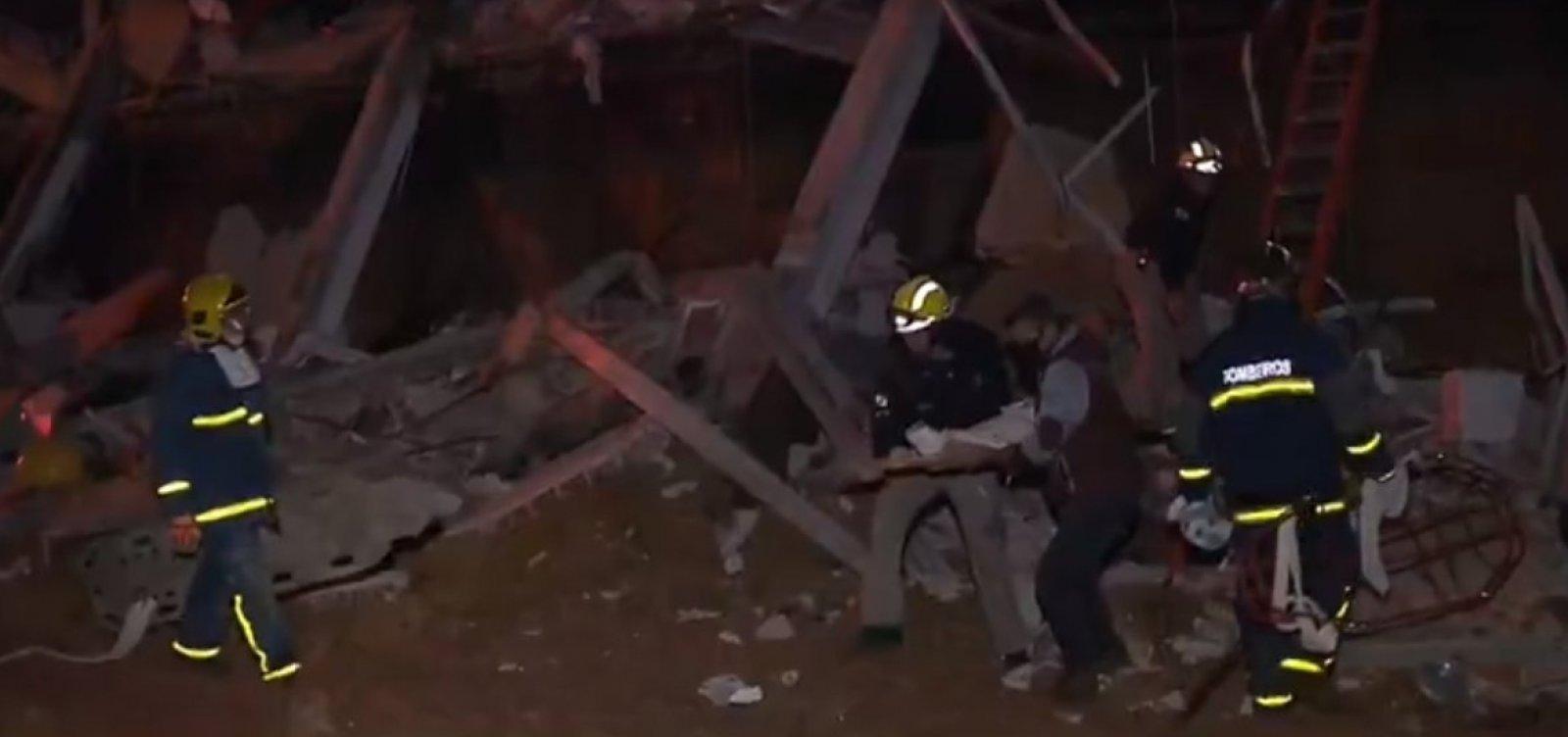 [Cinco pessoas ficam feridas em desabamento de prédio na Grande Curitiba]