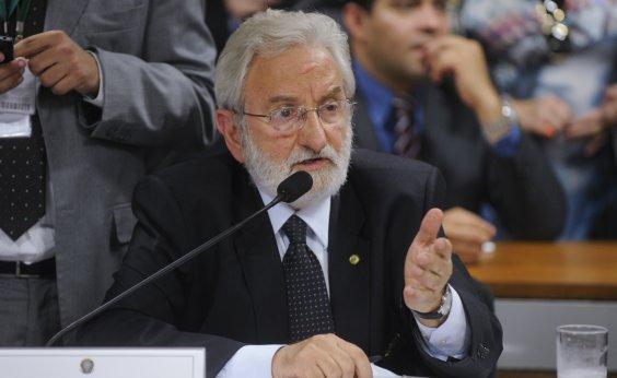 [Ivan Valente diz que se Bolsonaro for confirmado com coronavírus 'vai ter simbologia muito forte']