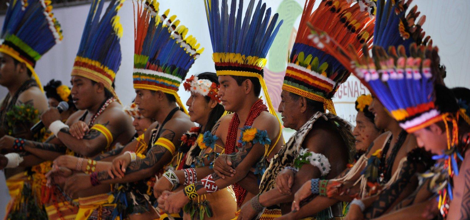 [Bolsonaro sanciona, com vetos, lei de proteção a povos indígenas na pandemia]