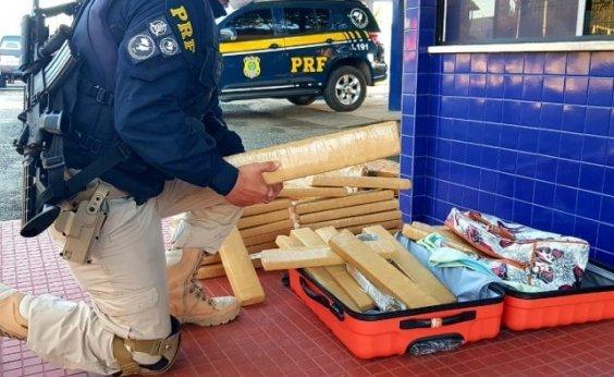 [Mulher é presa com 40 kg de maconha na bagagem; droga é avaliada em R$ 50 mil]