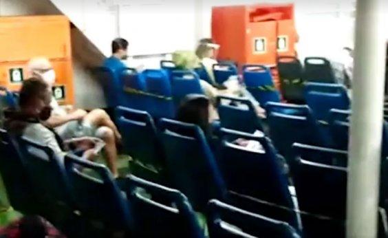 [Ferry-boat apresenta defeito no mar e retorna para terminal de São Joaquim]