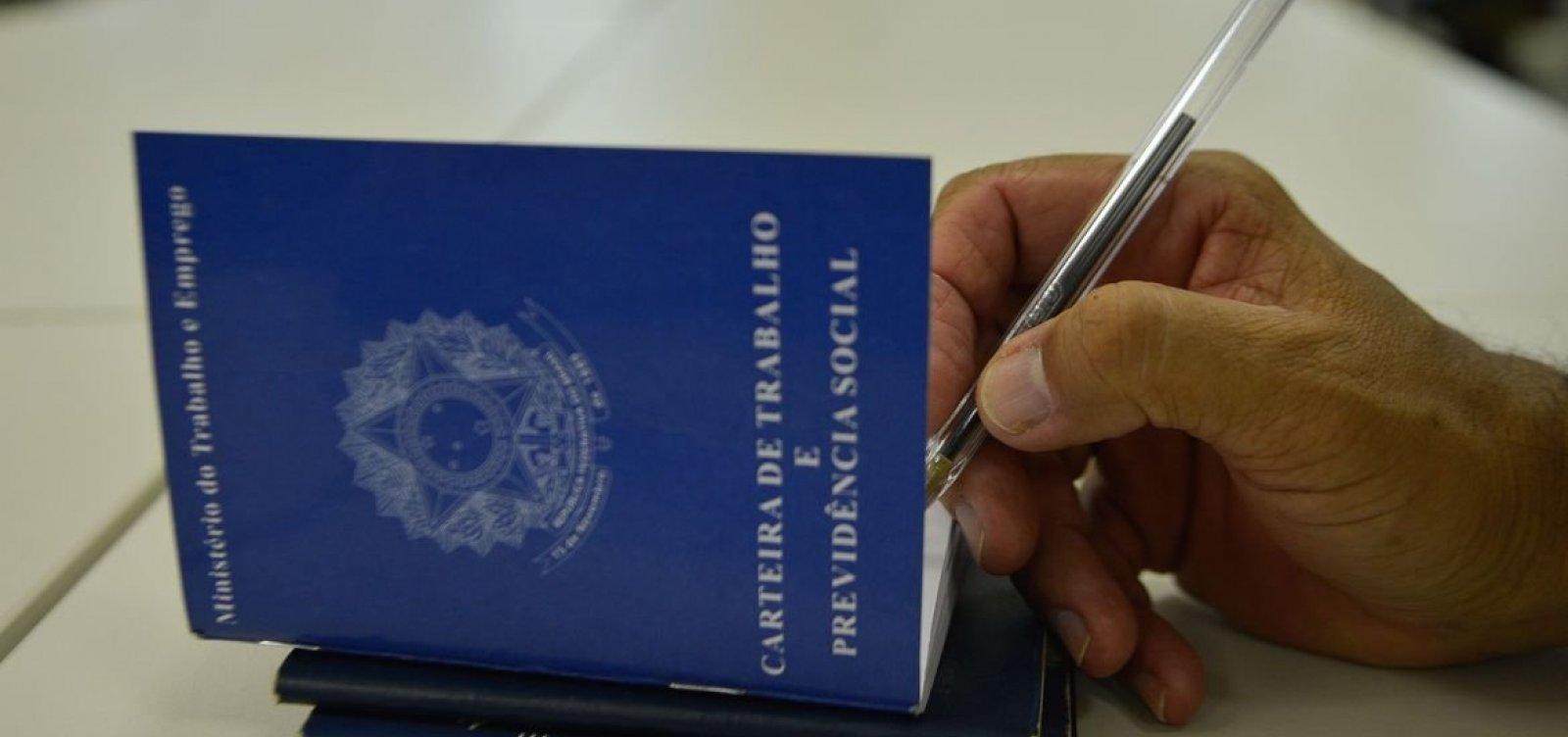 [Brasil tem 2,6 milhões de pedidos de seguro-desemprego durante pandemia]