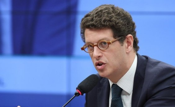 [Alexandre de Moraes envia à PGR pedido de abertura de inquérito contra Salles]