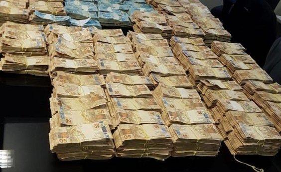 [Cerca de R$ 6 milhões são encontrados na casa de ex-secretário de Saúde do Rio]
