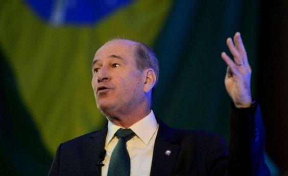[Defesa diz que acionará PGR contra declaração 'leviana' de Gilmar Mendes ]