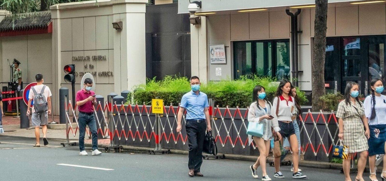 [Em ato de retaliação, China manda fechar consulado dos EUA em Chengdu]