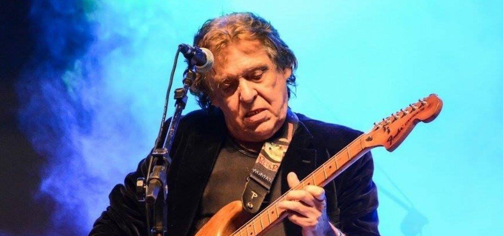 [Morre Renato Barros, vocalista da banda Renato e Seus Blue Caps, aos 76 anos]