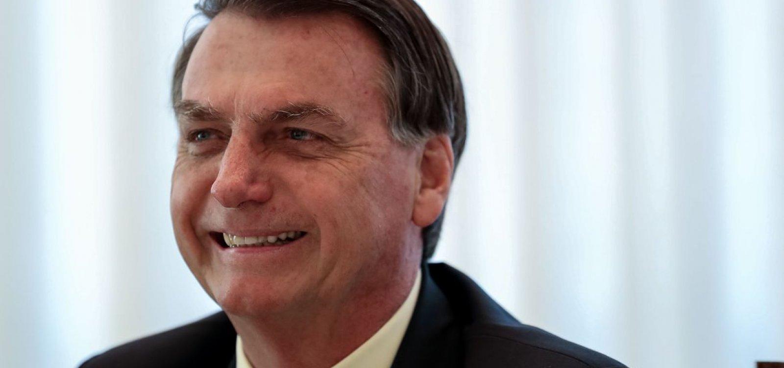 [Bolsonaro sanciona lei sobre validade indeterminada de receitas]