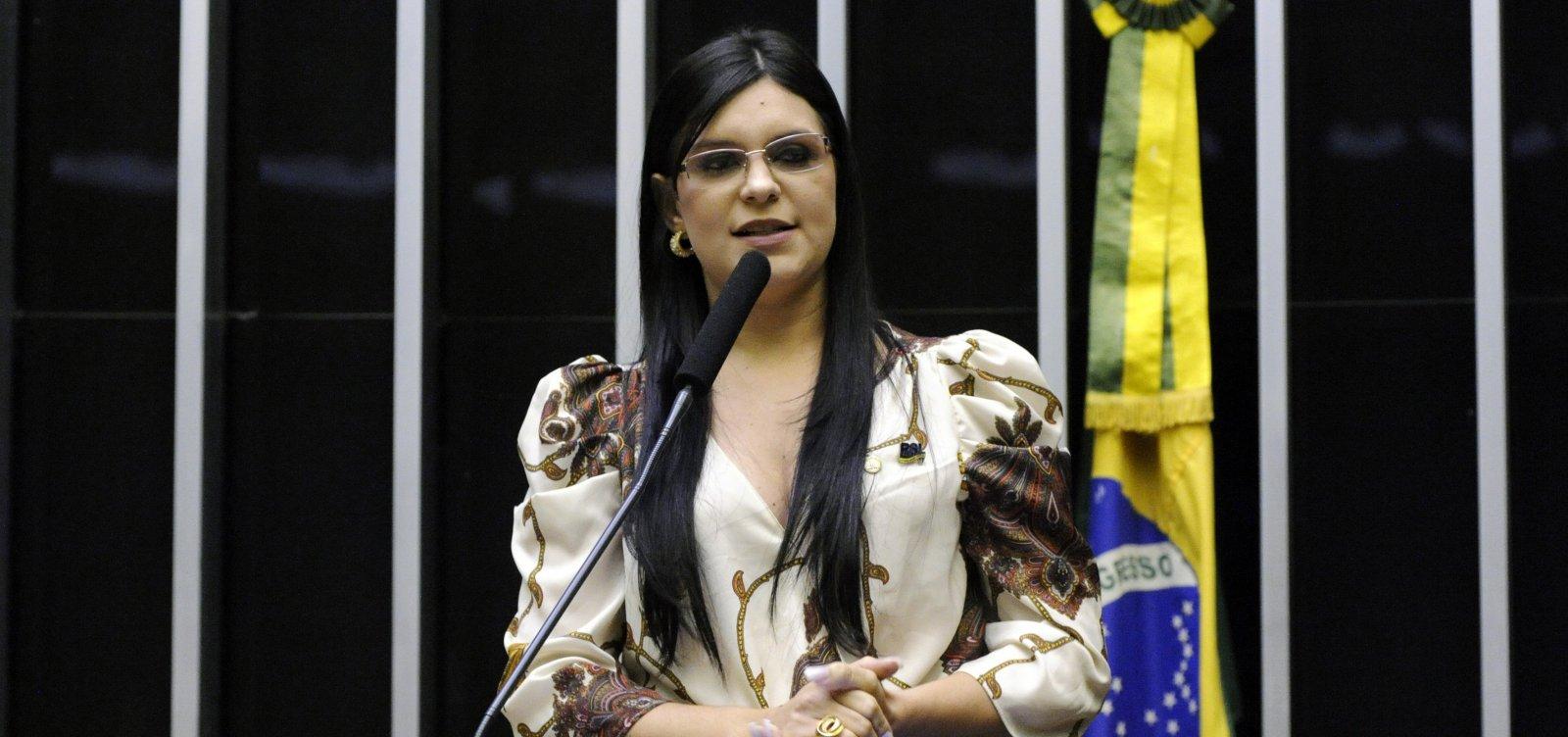 [Dayane acusa Bolsonaro de colocar 'esquerdistas' no governo para se livrar da Justiça]