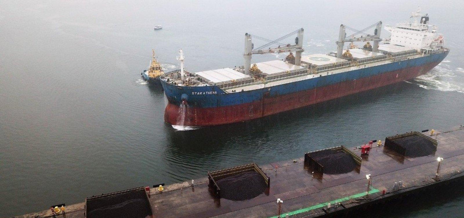 [Carregamento de 44 mil toneladas de minério baiano começa a ser preparado para envio à China]