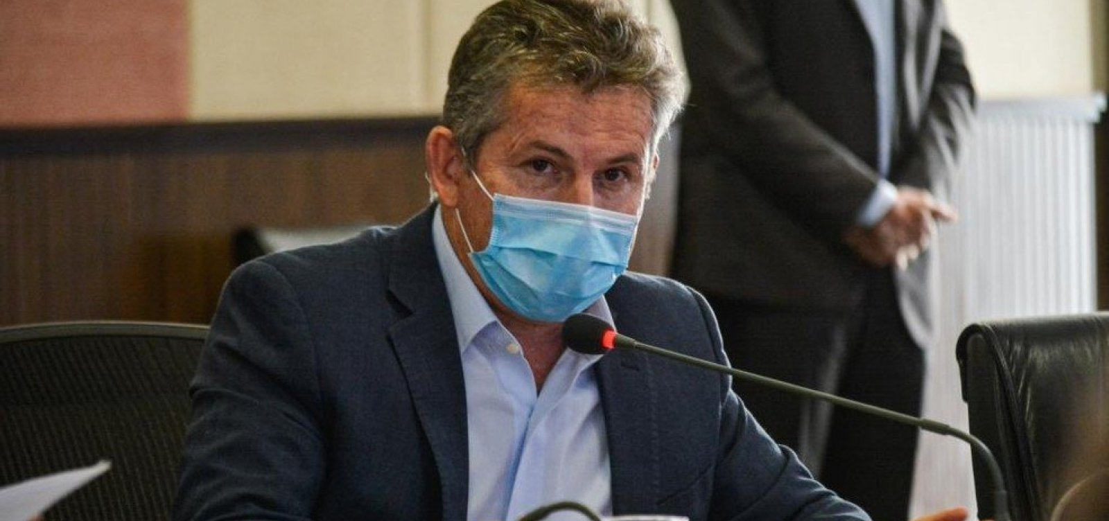 [Governador do Mato Grosso é internado em SP com pneumonia]