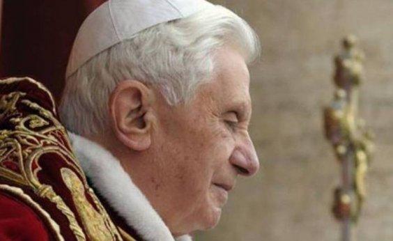 [Saúde do papa emérito Bento XVI está 'extremamente frágil', diz artigo alemão]