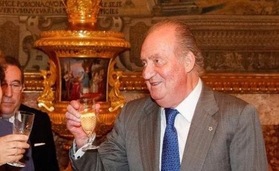 [Rei emérito da Espanha, Juan Carlos I deixará o país em meio a suspeitas de corrupção ]