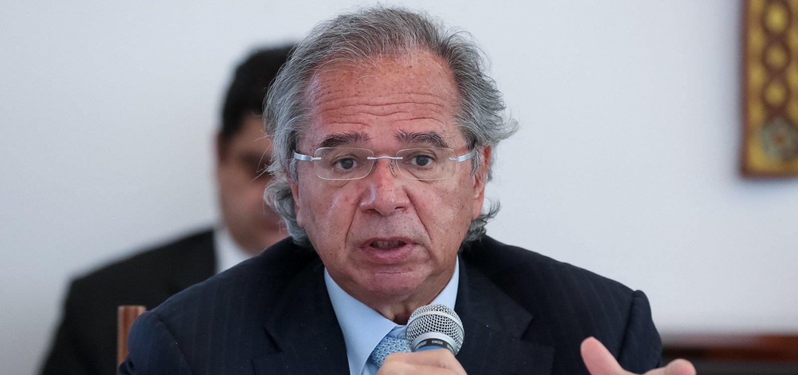 [Governo Bolsonaro quer cortar alíquota máxima de IR para 23% a 25% e acabar com deduções médicas]