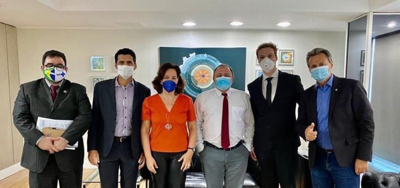 [Ministro da Saúde recebe defensores do uso de ozônio pelo ânus para tratar Covid-19]