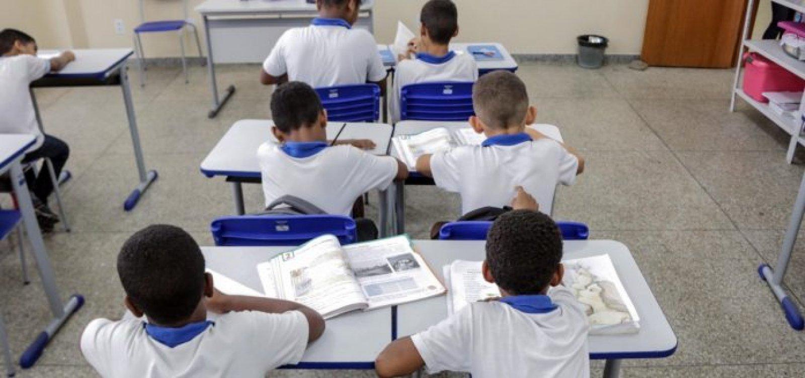 [ACM Neto diz que 'talvez faça sentido não voltar educação infantil em 2020']