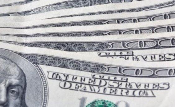 [Dólar fecha em alta de 0,66%, vendido a R$ 5,45]