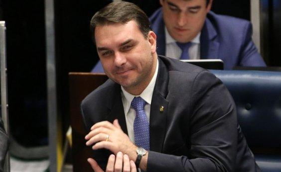 [Flávio Bolsonaro diz não lembrar de pagamento de R$ 638 mil em espécie por imóvel no RJ]