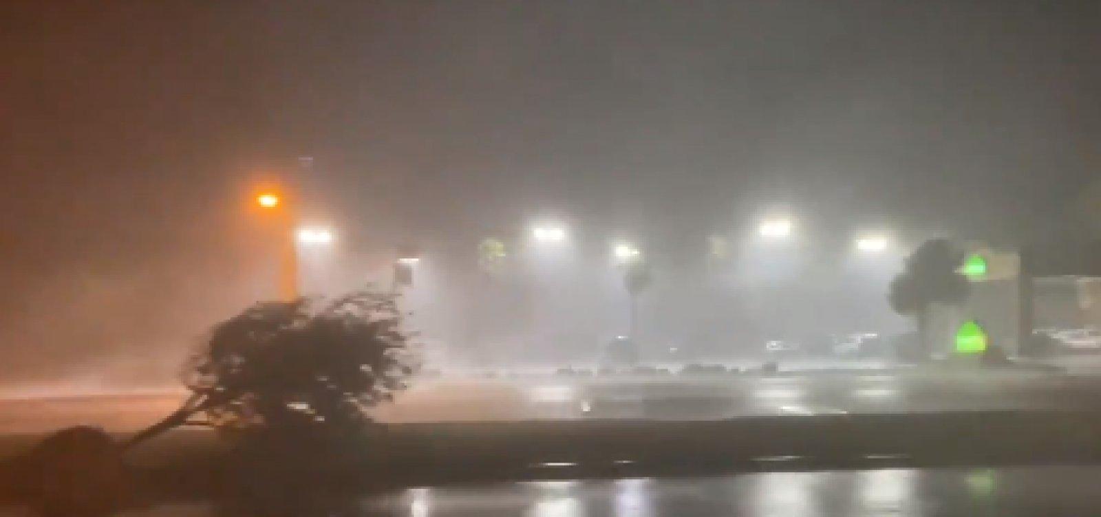[Furacão Laura atinge costa da Louisiana, nos EUA; ventos chegaram a 240 km/h]