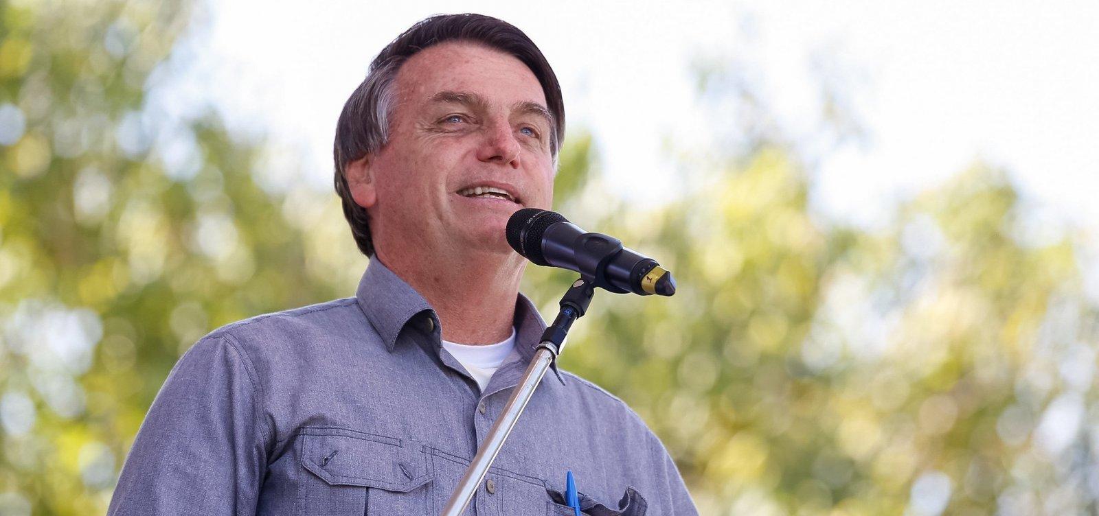 [Bolsonaro diz que não consegue 'matar esse câncer chamado ONG']
