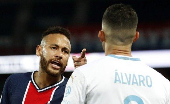 [Expulso, Neymar acusa adversário de racismo: 'Único arrependimento que tenho é por não ter dado na cara desse babaca']