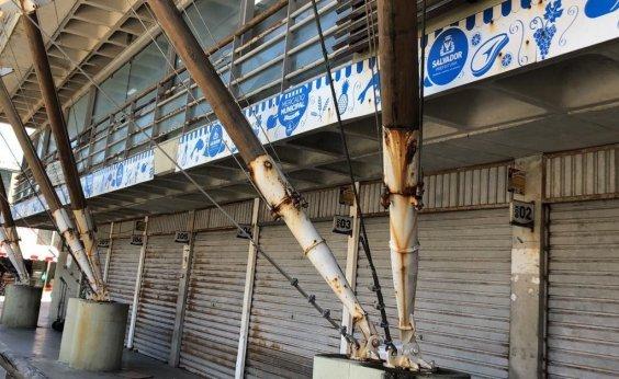 [Mercado Municipal de Itapuã sofre com ferrugens e prefeitura promete reparos 'nas próximas semanas']