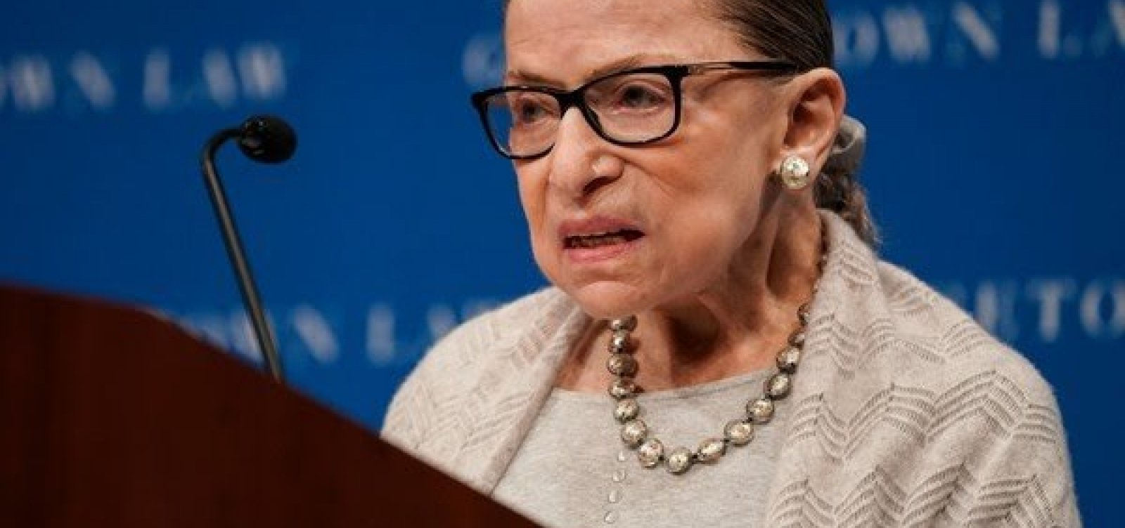 [Juíza mais antiga da Suprema Corte dos EUA, Ruth Bader Ginsburg morre aos 87 anos]