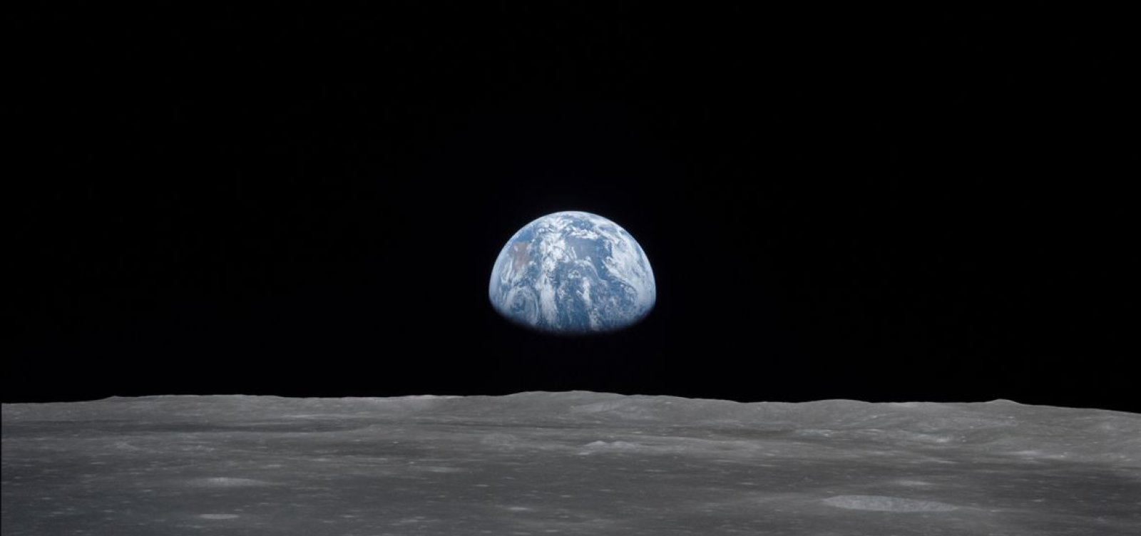 [Planetários de todo o país terão exibição online terça-feira (22)]
