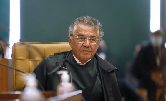 [Ministro Marco Aurélio Mello, do STF, passa por cirurgia e se recupera em casa]