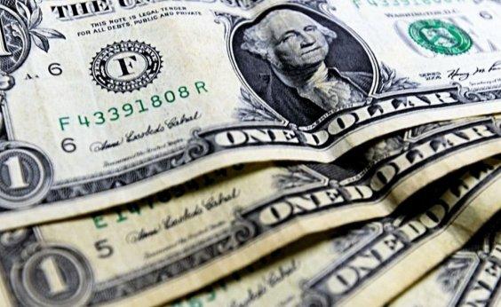 [Dólar fecha em alta de 1,29%, negociado a R$ 5,46]