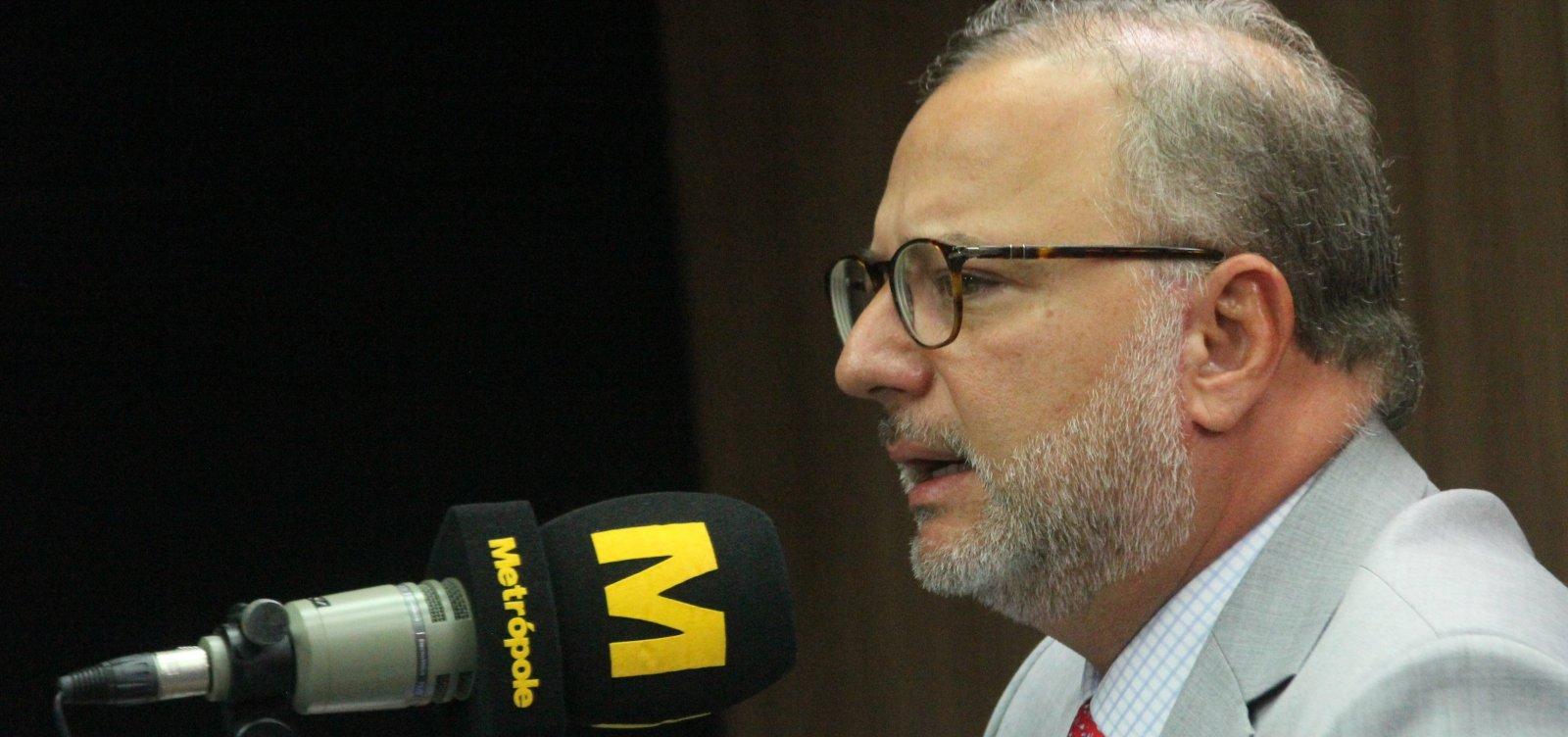 [Secretário critica candidatos que promovem aglomerações no interior: 'Atitude irresponsável']