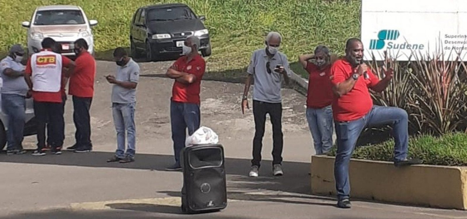 [Vale encerra unidade em Simões Filho e funcionários protestam ]