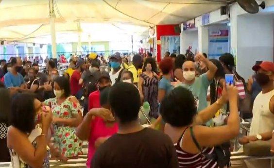[Ferry: Terminal de São Joaquim registra longa fila para compra de passagens neste sábado]
