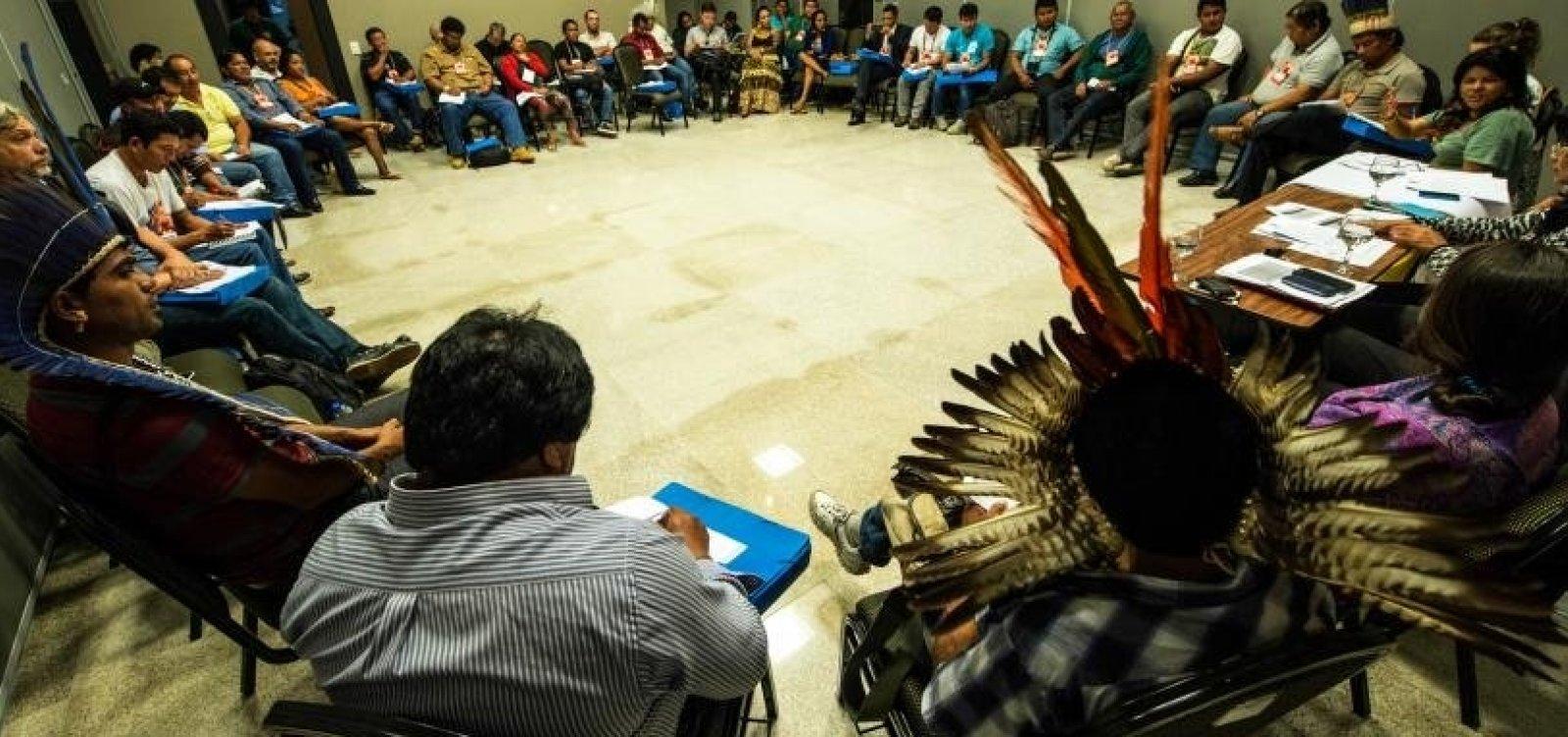[Pedidos de educação indígena aumentaram 500%, afirma Funai]