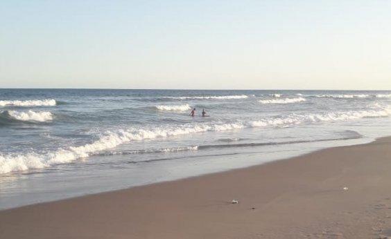 [Corpo é encontrado por populares na praia da Boca do Rio]