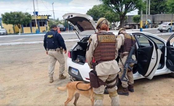 [Casal é preso com 7 kg de maconha escondidos em carro na BR-242]