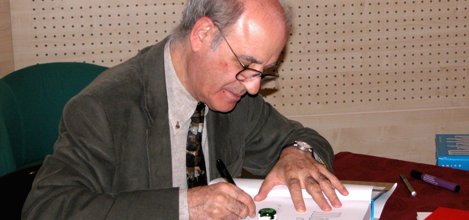 [Morre aos 88 anos o cartunista Quino, criador da Mafalda]