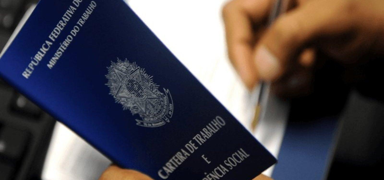[Brasil cria mais de 249 mil empregos com carteira assinada em agosto]