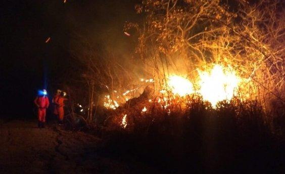 [ Mais um incêndio no oeste da Bahia; fogo atinge vegetação nativa na Serra da Bandeira ]