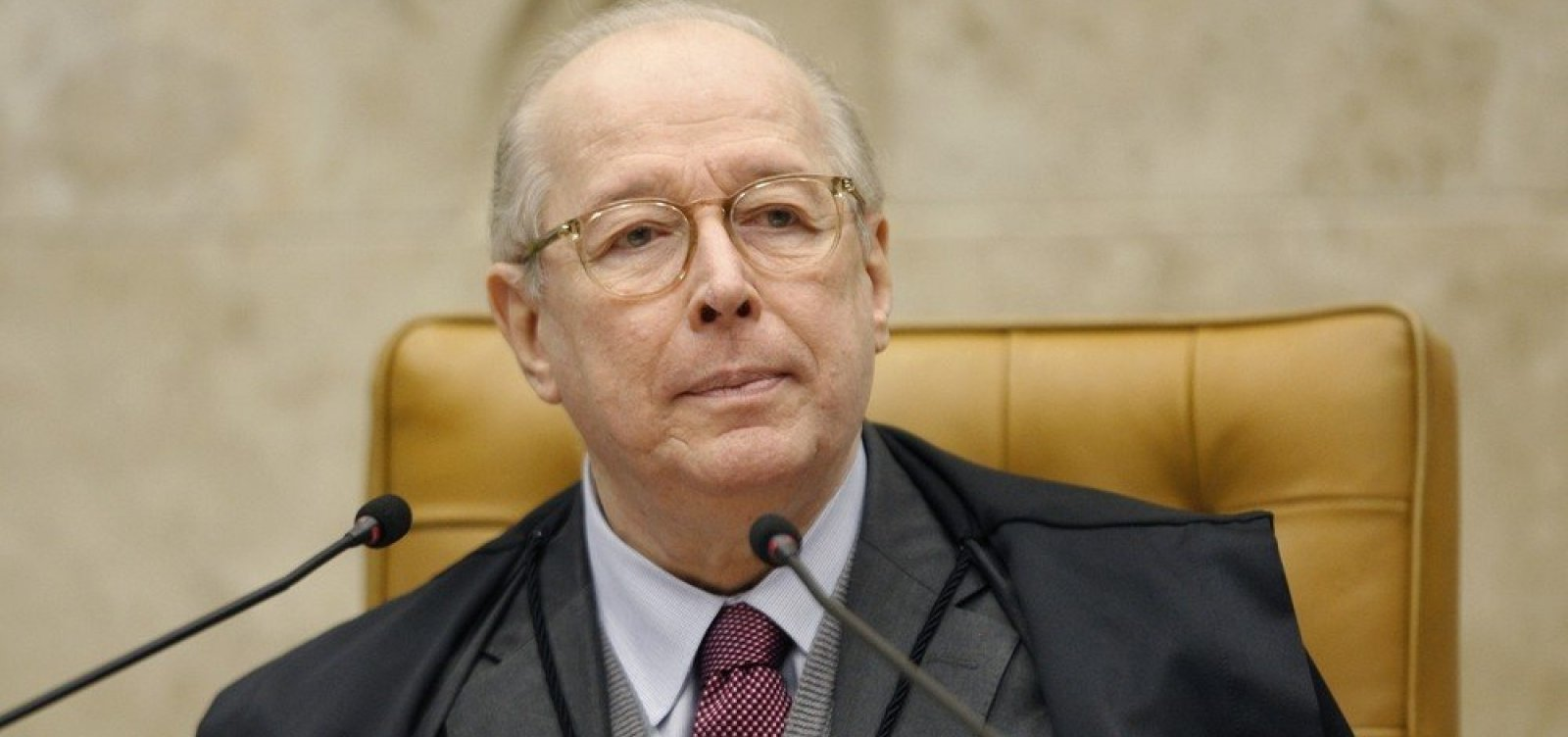 [Em sua última sessão no STF, Celso de Mello vota por depoimento presencial de Bolsonaro à PF]