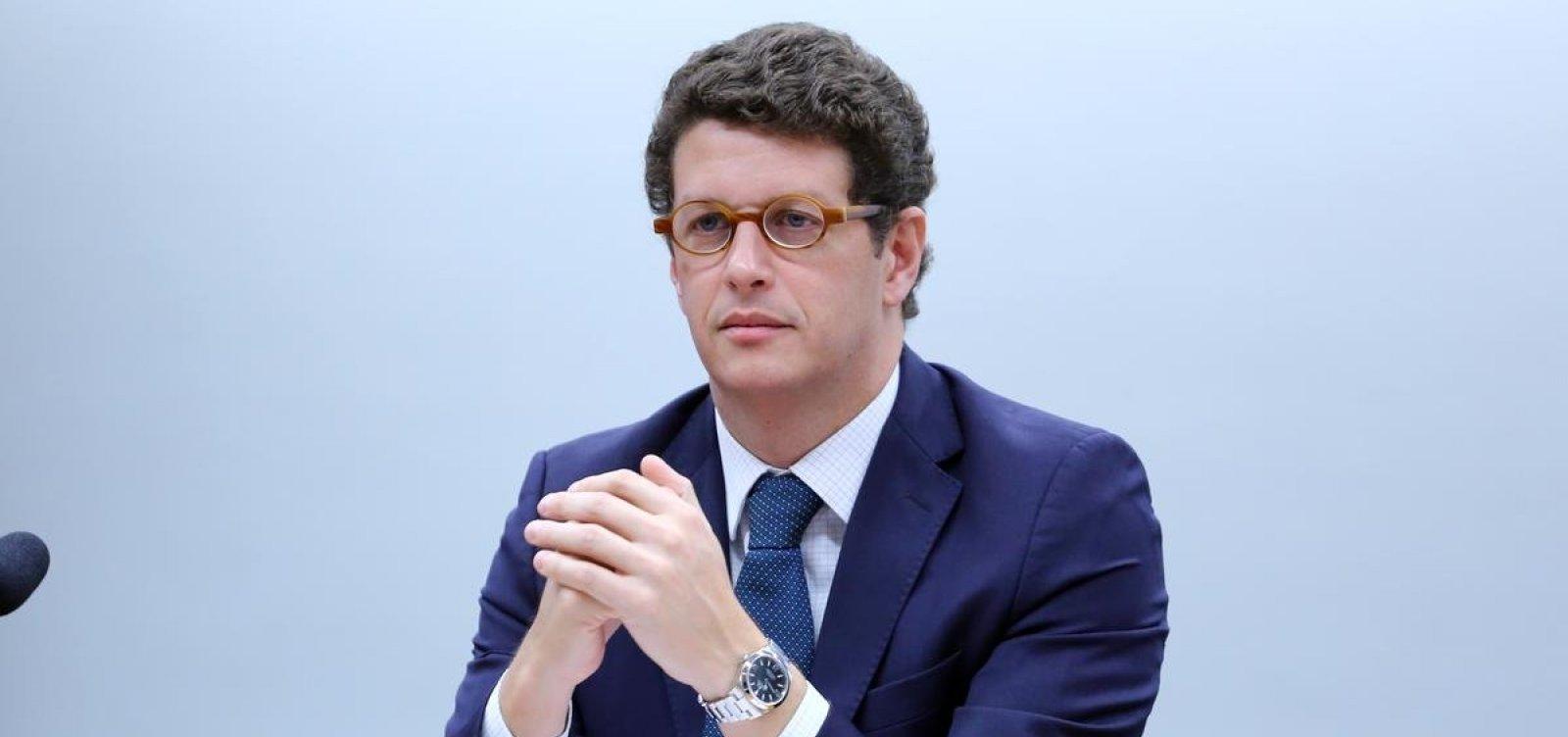 [Alexandre de Moraes arquiva notícia-crime contra Salles pelo 'passar da boiada']