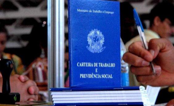 [Bolsonaro prorroga até dezembro decreto que autoriza redução de salários e jornada de trabalho]